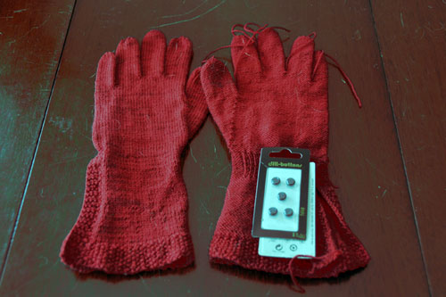 Red Button Gloves